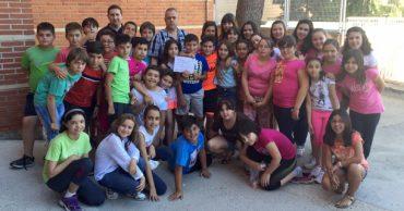 Entrega de la recaudación del musical «Aladdín» a Cruz Roja
