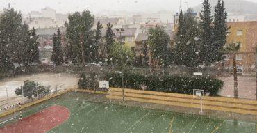 ¡Nieva en el cole! (vídeo)